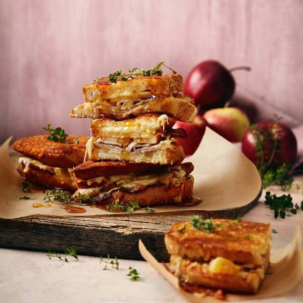 Apple Sandwiches With Thyme Maple Syrup Recipe Woolworths These delicious, healthy sandwiches are the best thing to happen to your brown bag all week. apple sandwiches with thyme maple syrup